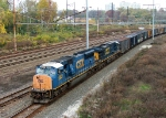 CSX 4828 SD70MAC On Q405